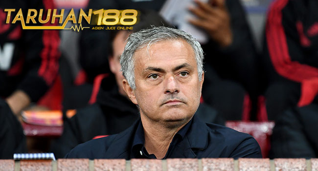 Para Pemain Tak Percaya Lagi Pada Mourinho - Para Pemain Tak Percaya Lagi Pada Mourinho